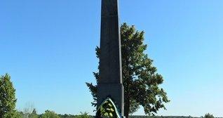 Пам'ятник розстріляним у Талимонівському яру